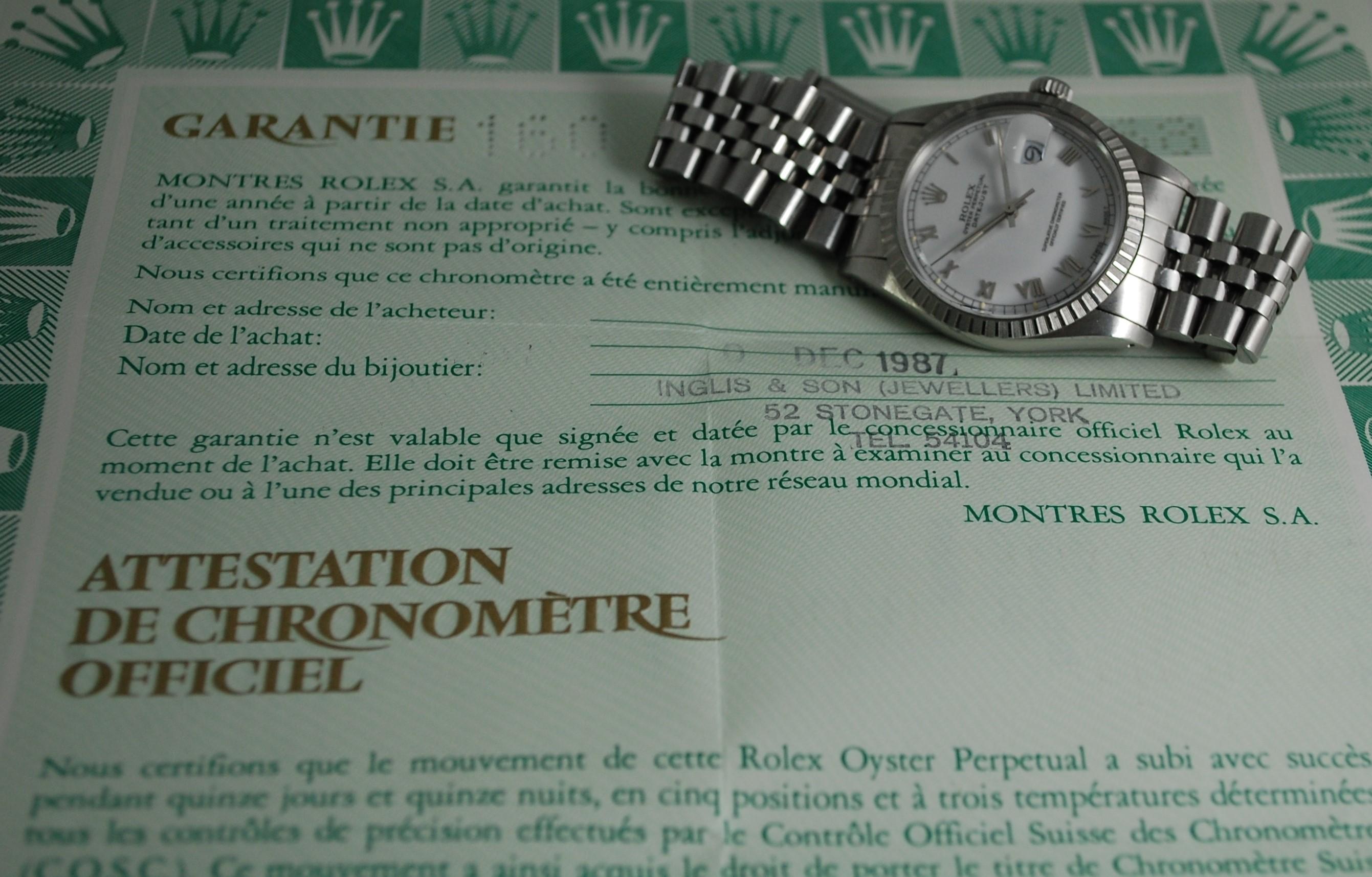 Rolex no serial number between lugs